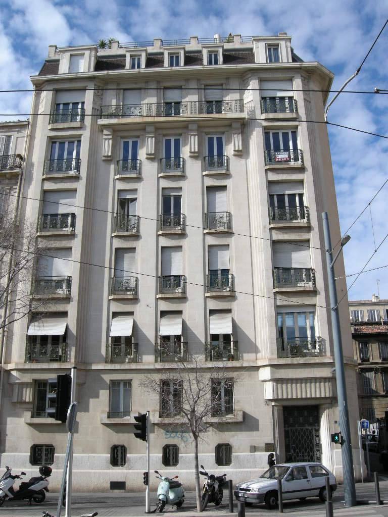 location appartement 2 pi ces 31 m marseille 1er 31 m 490 e de particulier particulier. Black Bedroom Furniture Sets. Home Design Ideas