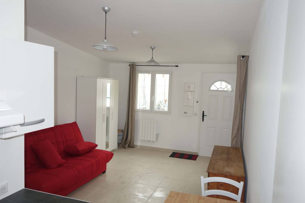location meubl e studio 24 m gennevilliers 92230 24 m 630 e de particulier. Black Bedroom Furniture Sets. Home Design Ideas