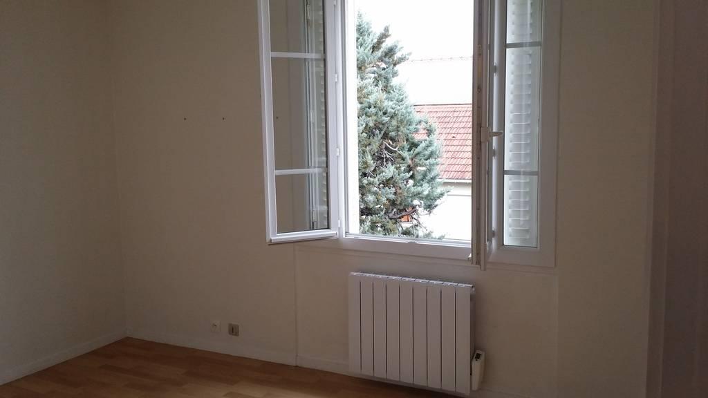 location appartement 2 pi ces 31 m sceaux 92330 31 m 795 e de particulier. Black Bedroom Furniture Sets. Home Design Ideas
