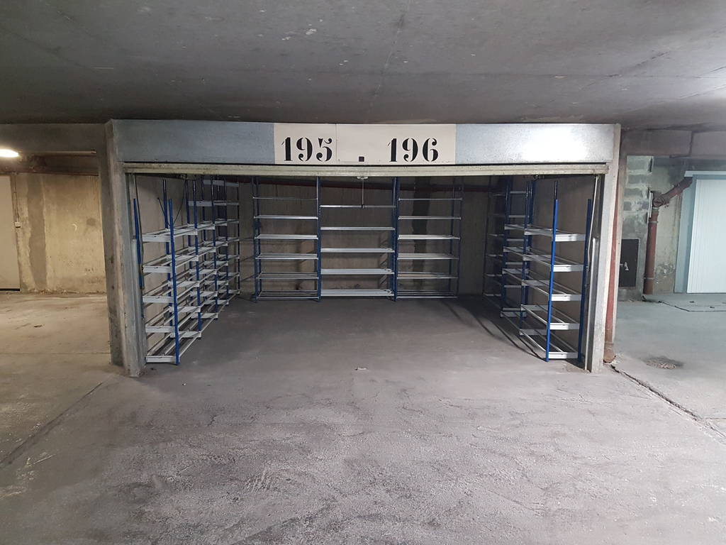 Location garage parking paris 19e 220 e de for Location box garage particulier