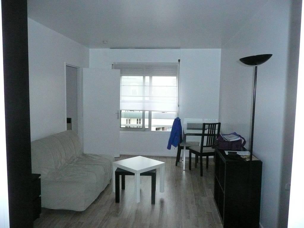 location meubl e studio 27 m issy les moulineaux 92130 27 m 858 e de particulier. Black Bedroom Furniture Sets. Home Design Ideas