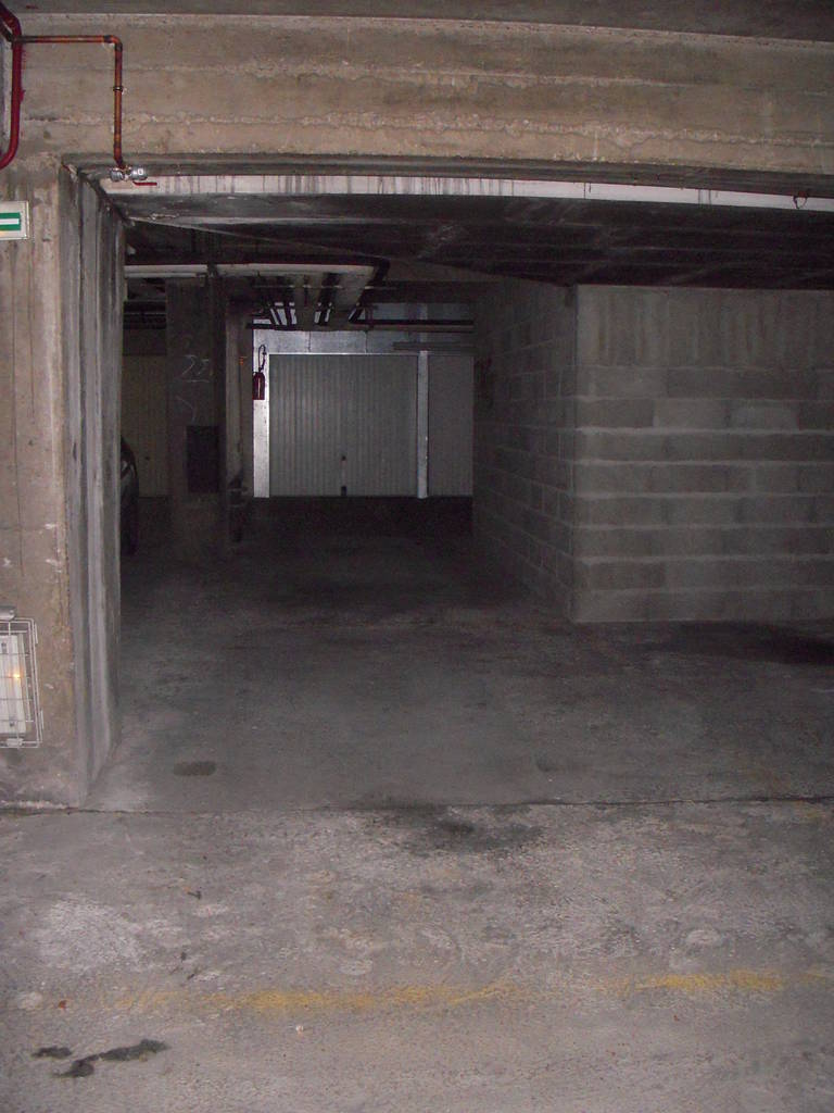Location garage parking paris 11e 100 e de particulier particulier pap - Location garage paris 15 ...