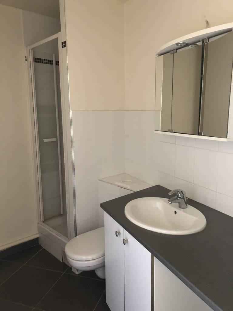 location appartement 2 pi ces 38 m paris 13e 38 m e de particulier particulier pap. Black Bedroom Furniture Sets. Home Design Ideas