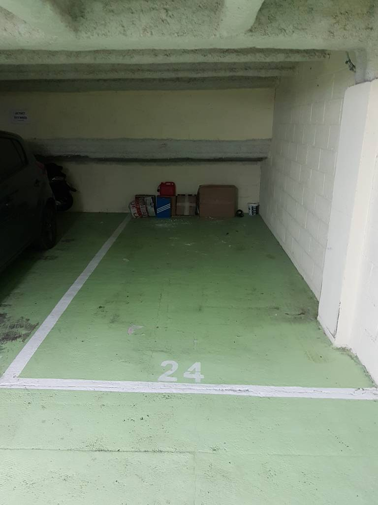 location garage parking 13 m paris 16e 13 m 175 e de particulier particulier pap. Black Bedroom Furniture Sets. Home Design Ideas
