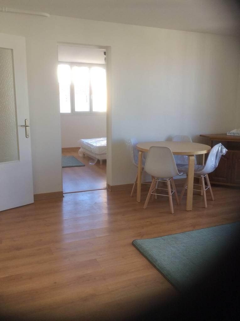 location meubl e appartement 3 pi ces 57 m creteil 94000 57 m de particulier. Black Bedroom Furniture Sets. Home Design Ideas