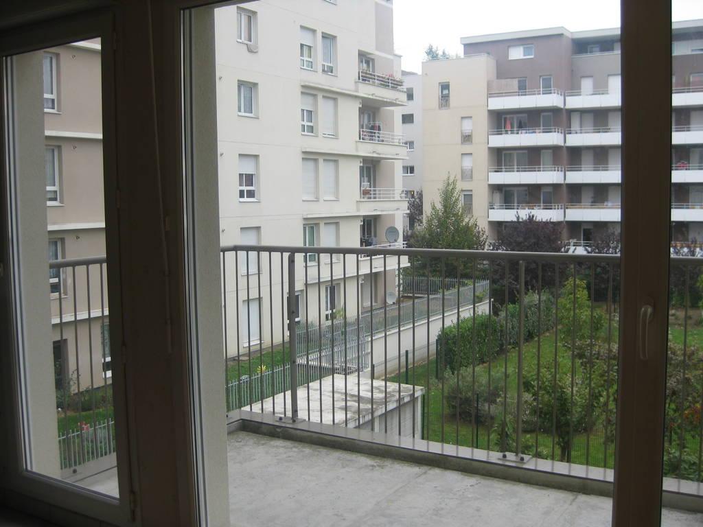location appartement 2 pi ces 45 m cergy 95 45 m 829 de particulier particulier pap. Black Bedroom Furniture Sets. Home Design Ideas