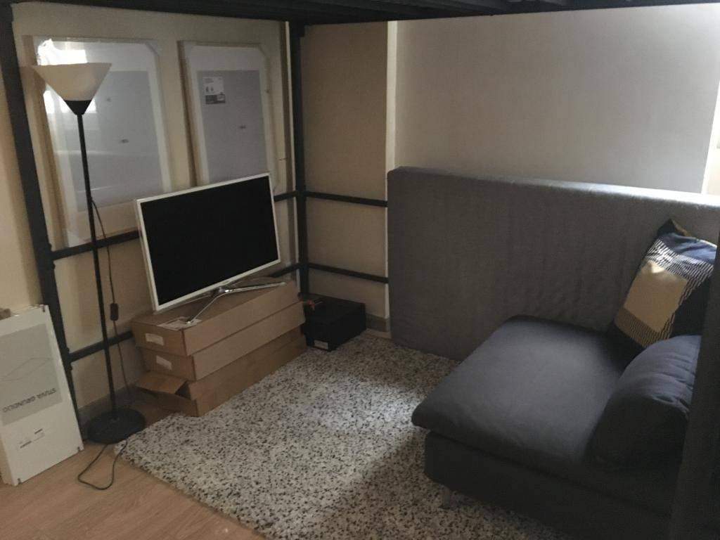 location studio 22 m paris 19e 22 m 740 de particulier particulier pap. Black Bedroom Furniture Sets. Home Design Ideas