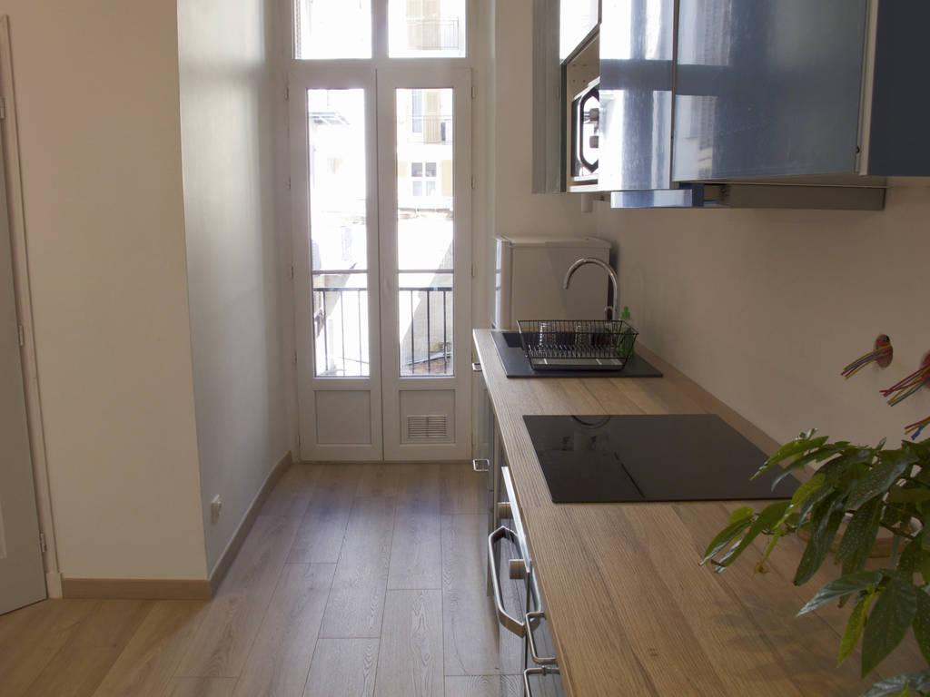 location meubl e appartement 2 pi ces 43 m nice 06 43 m 820 de particulier. Black Bedroom Furniture Sets. Home Design Ideas