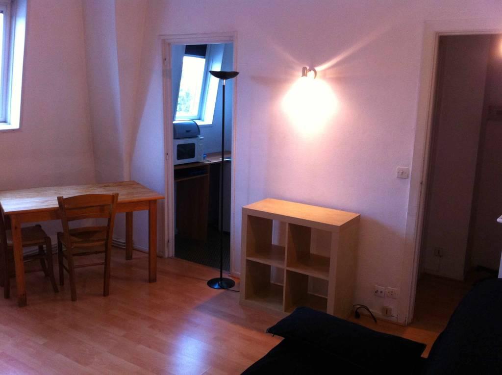 location meubl e studio 25 m lille 59 25 m 550 de particulier particulier pap. Black Bedroom Furniture Sets. Home Design Ideas