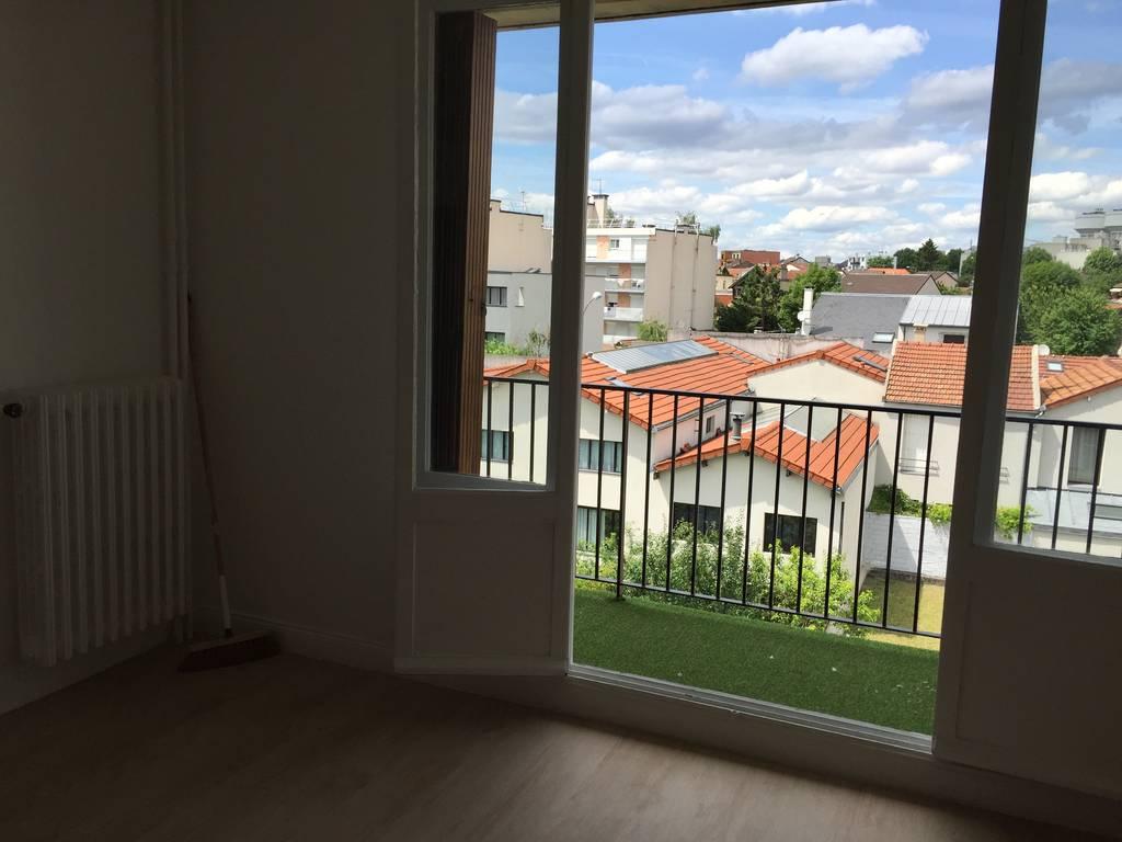 location chambre 31 m montreuil 93100 31 m 890 de particulier particulier pap. Black Bedroom Furniture Sets. Home Design Ideas