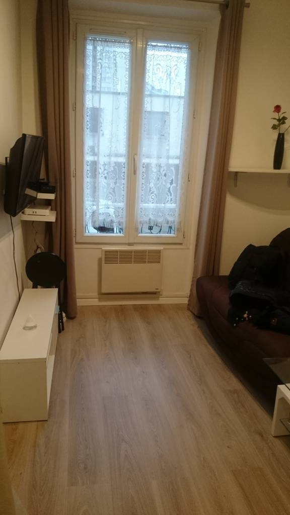 location meubl e appartement 2 pi ces 27 m ivry sur seine 94200 27 m 750 de. Black Bedroom Furniture Sets. Home Design Ideas