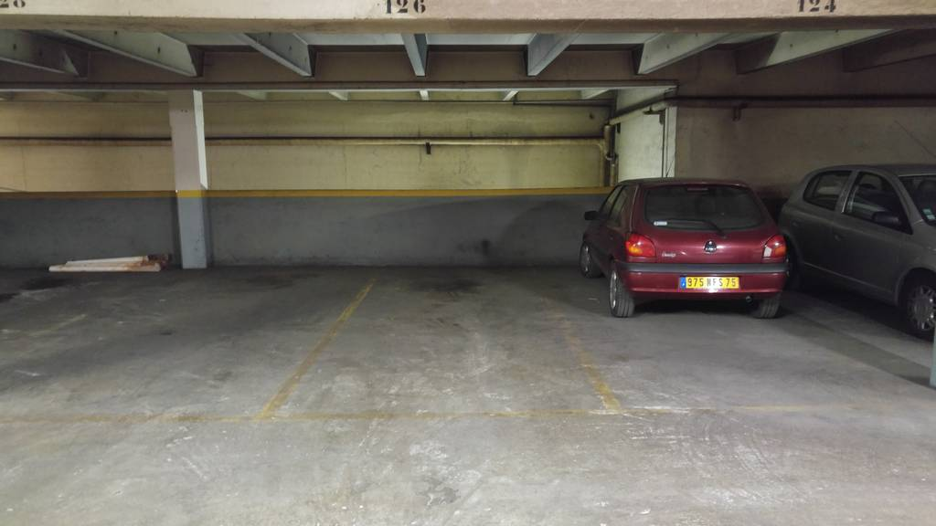 Location garage parking paris 13e 95 de particulier for Garage petit mars
