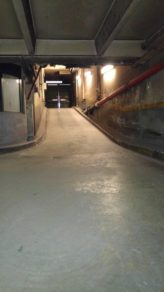 Location garage parking paris 13e 95 de particulier for Garage mercedes paris 13