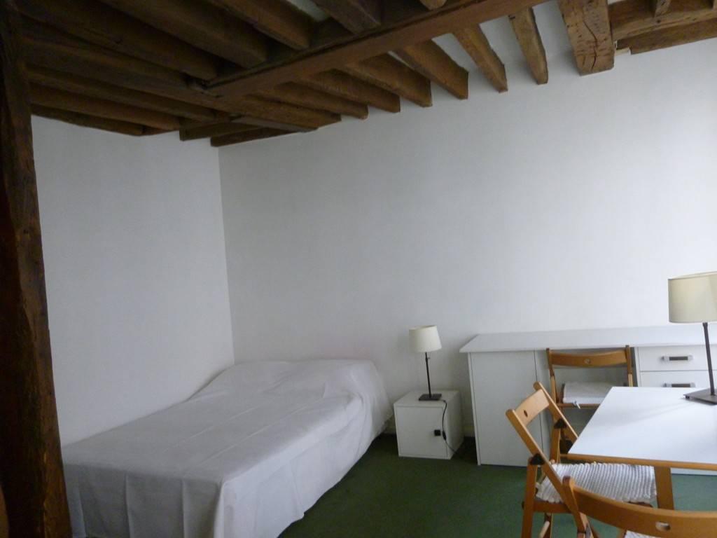 Location meubl e studio 24 m paris 5e 24 m for Location meuble paris particulier