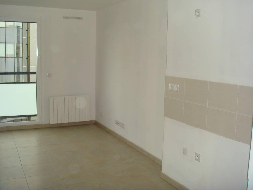 location appartement 2 pi ces 36 m lyon 8e 36 m 650 de particulier particulier pap. Black Bedroom Furniture Sets. Home Design Ideas