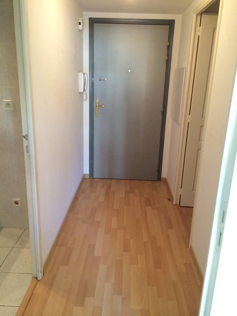 location appartement 2 pi ces 32 m nantes 44 32 m 436 de particulier particulier pap. Black Bedroom Furniture Sets. Home Design Ideas