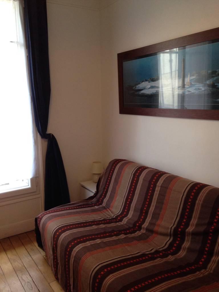 Location meubl e studio 23 m paris 15e 23 m for Location appart meuble paris