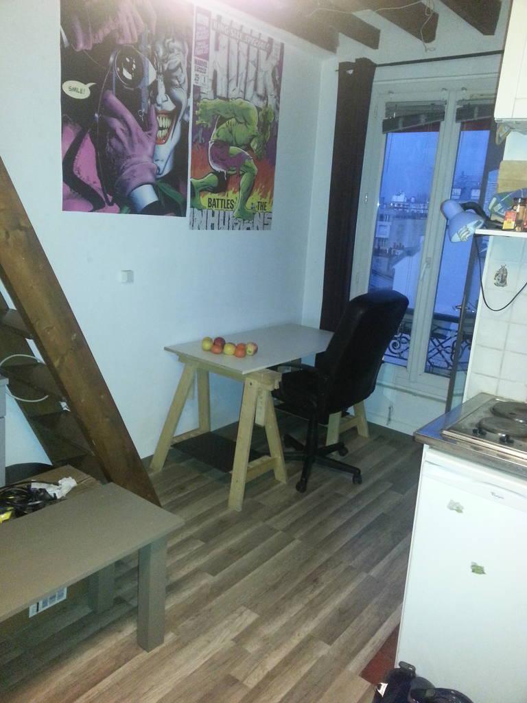 location meubl e studio 13 m paris 18e 13 m 550 de particulier particulier pap. Black Bedroom Furniture Sets. Home Design Ideas