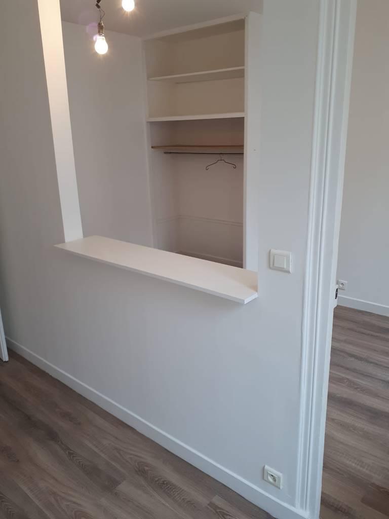 location appartement 2 pi ces 31 m paris 19e 31 m 950 de particulier particulier pap. Black Bedroom Furniture Sets. Home Design Ideas