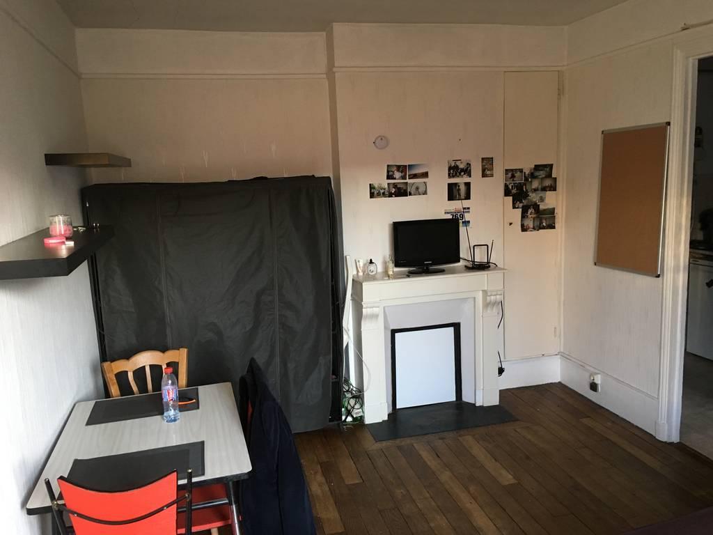 location meubl e studio 25 m paris 19e 25 m 850 de particulier particulier pap. Black Bedroom Furniture Sets. Home Design Ideas