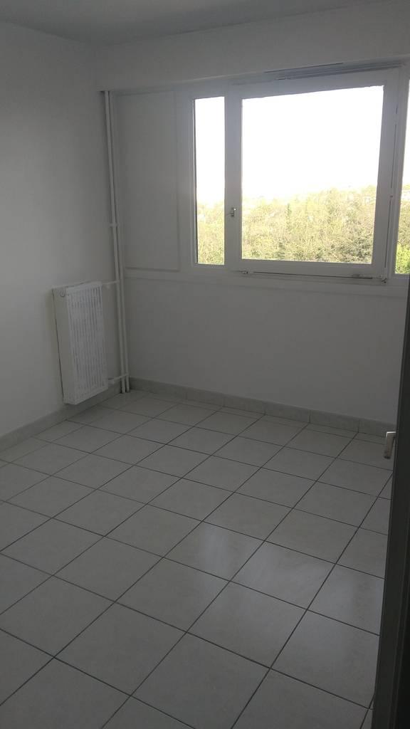 Location appartement 4 pi ces 80 m creteil 94000 80 for Chambre 8m2 amenagee