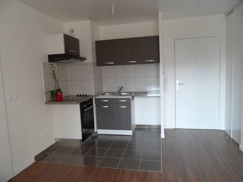 location appartement 2 pi ces 40 m rosny sous bois 93110 40 m 835 de particulier. Black Bedroom Furniture Sets. Home Design Ideas