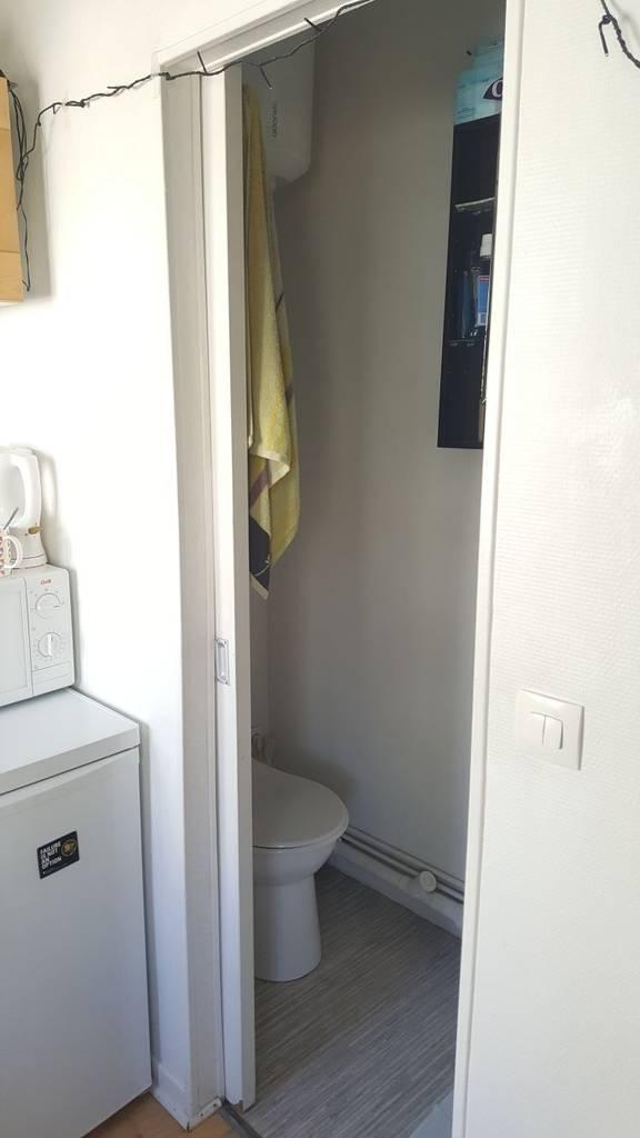 location meubl e studio 13 m paris 17e 13 m 790 de particulier particulier pap. Black Bedroom Furniture Sets. Home Design Ideas