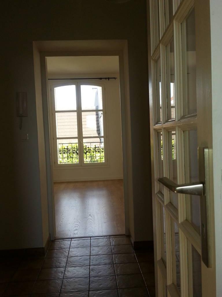 location appartement 2 pi ces 49 m rueil malmaison 92500 49 m 985 de particulier. Black Bedroom Furniture Sets. Home Design Ideas