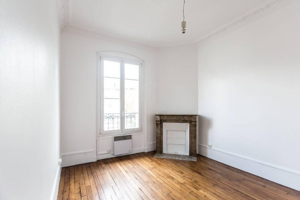 location appartement 2 pi ces 33 m asnieres sur seine 92600 33 m 955 de particulier. Black Bedroom Furniture Sets. Home Design Ideas