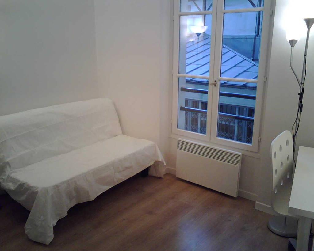 location meubl e studio 13 m paris 5e 13 m 695 de particulier particulier pap. Black Bedroom Furniture Sets. Home Design Ideas