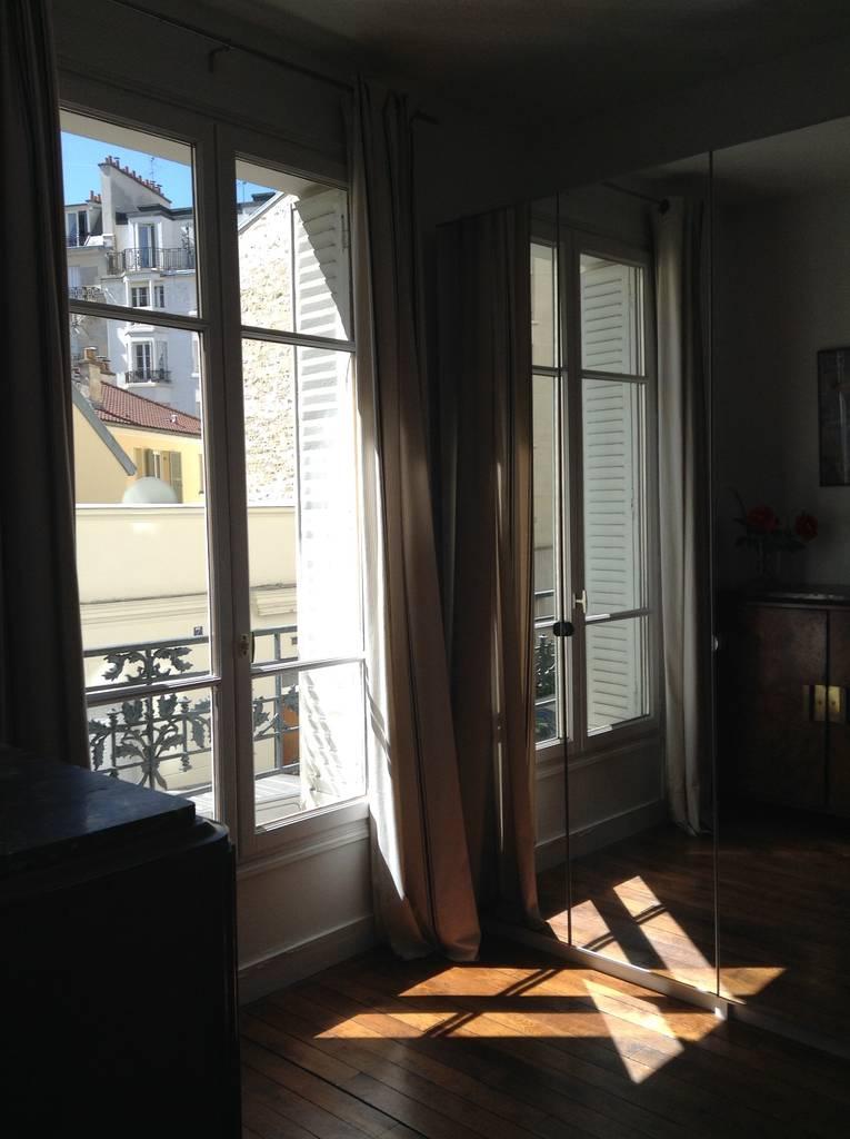 location meubl e appartement 2 pi ces 34 m paris 15e 34 m de particulier. Black Bedroom Furniture Sets. Home Design Ideas