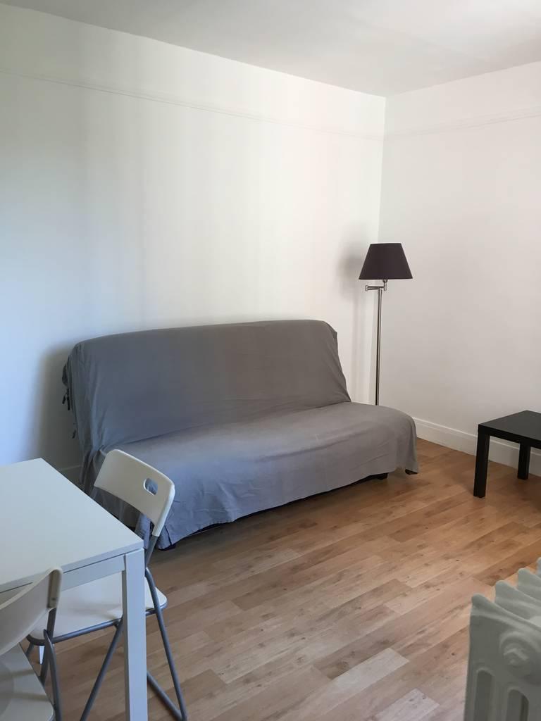 location meubl e studio 21 m asnieres sur seine 92600 21 m 725 de particulier. Black Bedroom Furniture Sets. Home Design Ideas