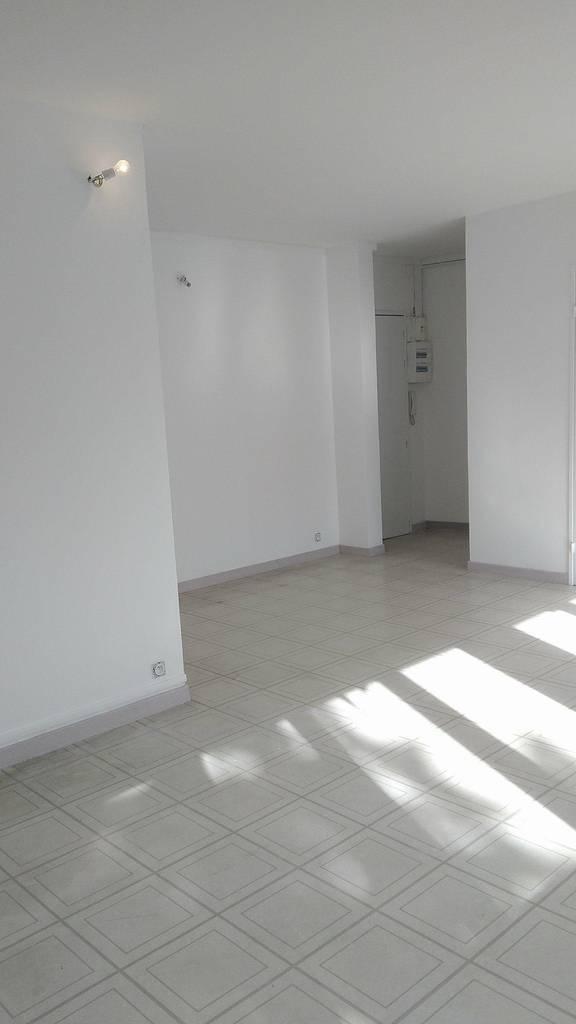 location appartement 3 pi ces 70 m vitry sur seine 94400 70 m de particulier. Black Bedroom Furniture Sets. Home Design Ideas