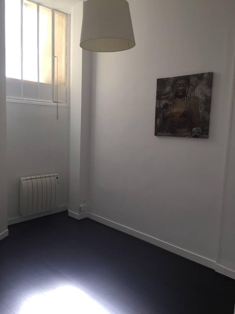 location appartement 3 pi ces 46 m paris 18e 46 m de particulier particulier pap. Black Bedroom Furniture Sets. Home Design Ideas