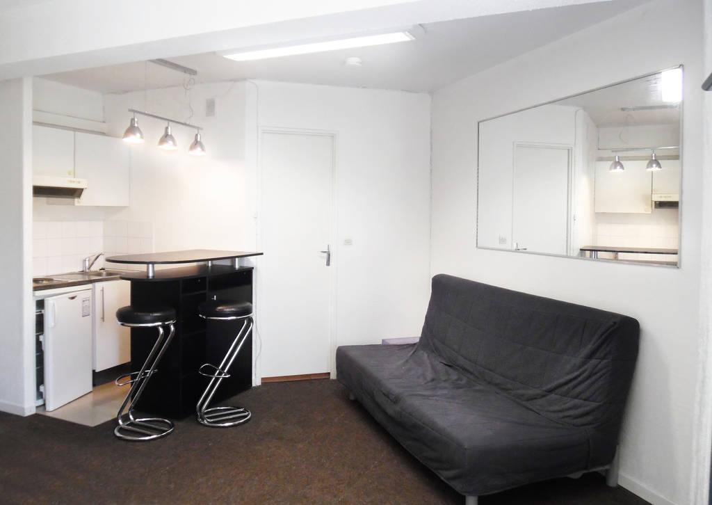 location meubl e studio 24 m marseille 8e 24 m 565 de particulier particulier pap. Black Bedroom Furniture Sets. Home Design Ideas