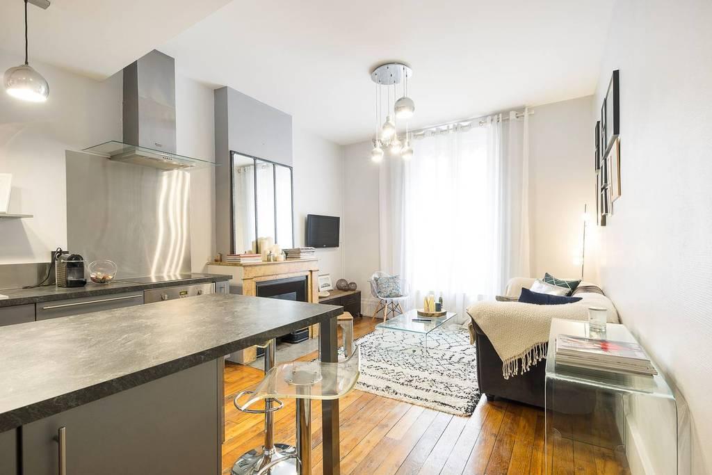 Location meublée appartement 2 pièces 43 m² Lyon 3E 43