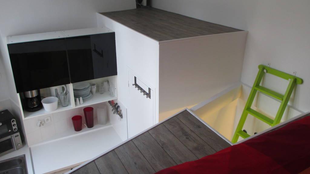 location meubl e studio 23 m paris 9e 23 m 990 de particulier particulier pap. Black Bedroom Furniture Sets. Home Design Ideas