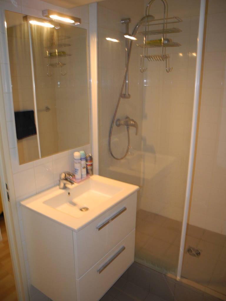 location meubl e studio 25 m paris 12e 25 m 850 de particulier particulier pap. Black Bedroom Furniture Sets. Home Design Ideas