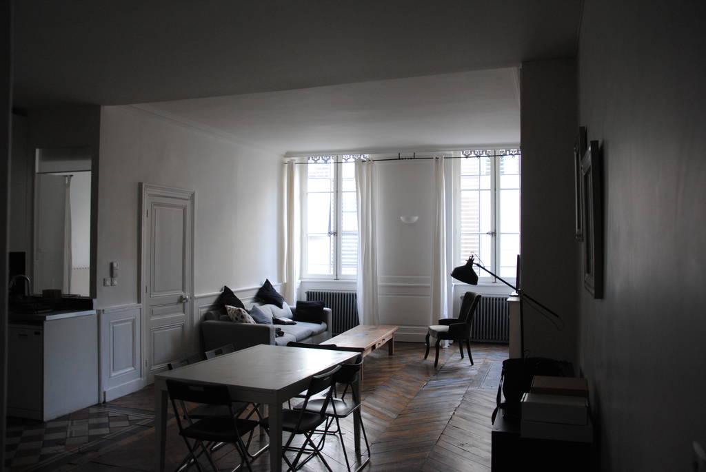 Location meubl e appartement 4 pi ces 90 m lyon 2e 90 for Location appartement lyon 4