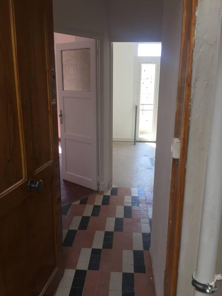 location appartement 4 pi ces 63 m marseille 4e 63 m 800 de particulier particulier. Black Bedroom Furniture Sets. Home Design Ideas