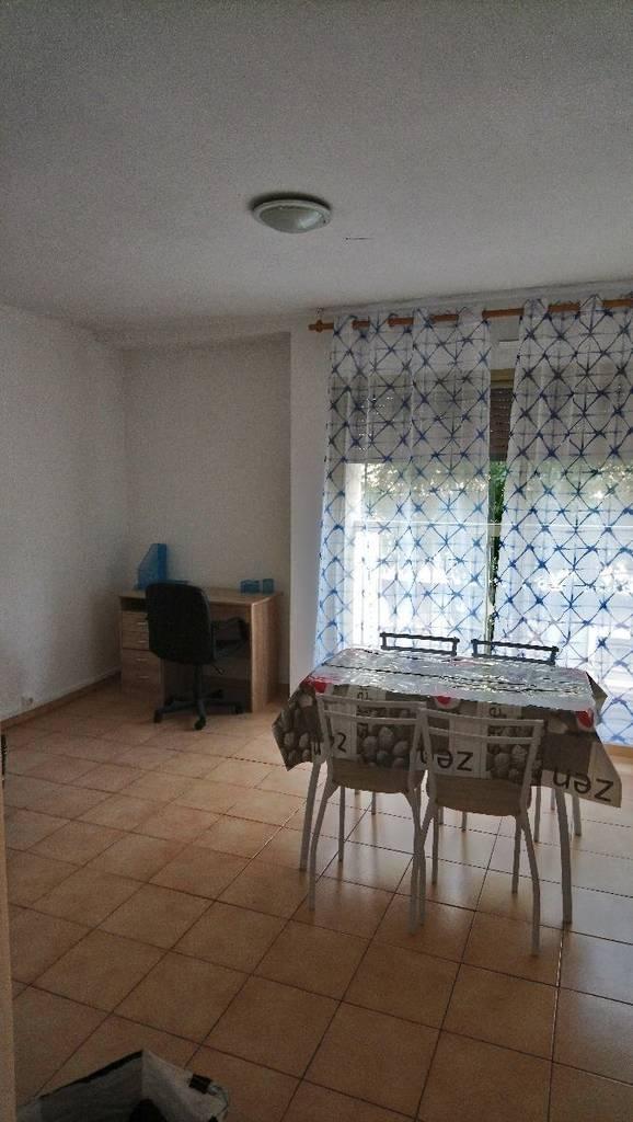 location meubl e studio 30 m marseille 5e 30 m 450 de particulier particulier pap. Black Bedroom Furniture Sets. Home Design Ideas