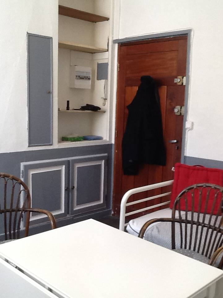 location meubl e appartement 2 pi ces 37 m versailles 78000 37 m 820 de particulier. Black Bedroom Furniture Sets. Home Design Ideas