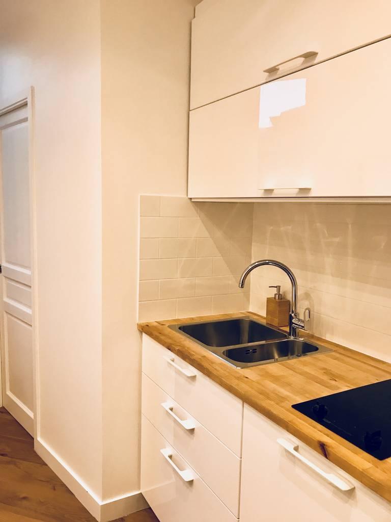 location meubl e studio 13 m paris 16e 13 m 750 de particulier particulier pap. Black Bedroom Furniture Sets. Home Design Ideas