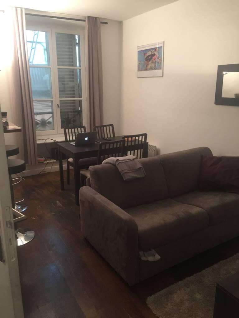 location appartement 2 pi ces 37 m paris 17e 37 m de particulier particulier pap. Black Bedroom Furniture Sets. Home Design Ideas
