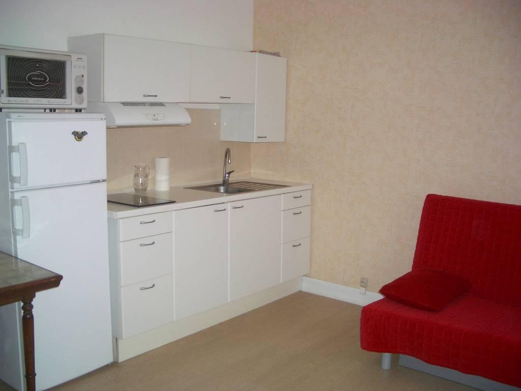 location meubl e studio 24 m antony 92160 24 m 700. Black Bedroom Furniture Sets. Home Design Ideas