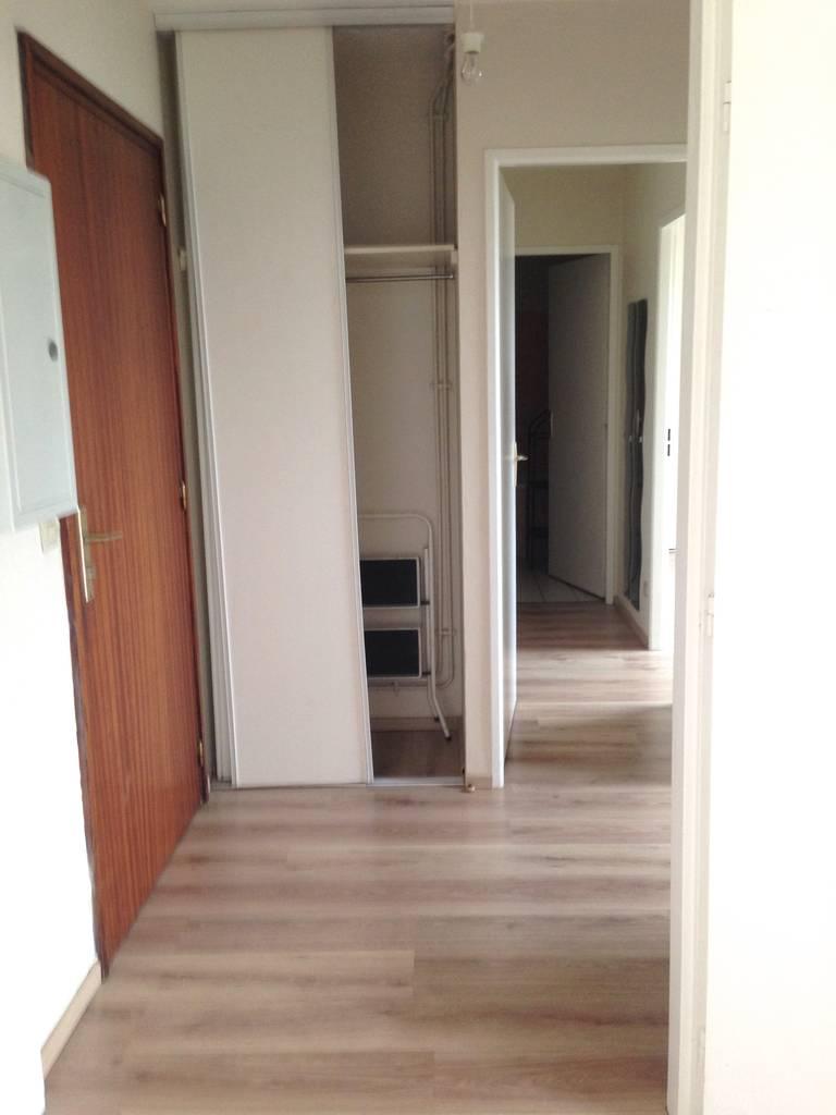 location appartement 2 pi ces 45 m lille 59 45 m 700 de particulier particulier pap. Black Bedroom Furniture Sets. Home Design Ideas