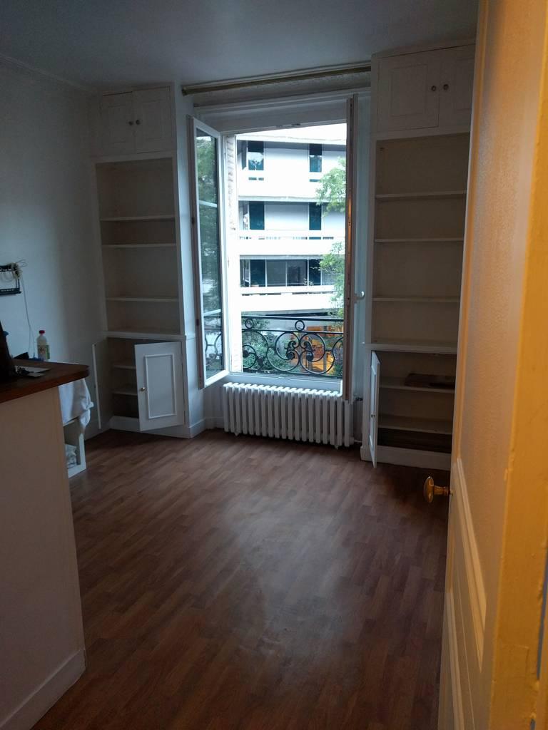 location maison 33 m paris 15e 33 m de particulier particulier pap. Black Bedroom Furniture Sets. Home Design Ideas