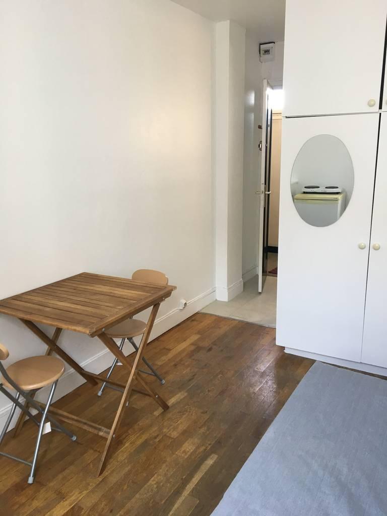 location meubl e chambre 13 m paris 15e 13 m 495 de particulier particulier pap. Black Bedroom Furniture Sets. Home Design Ideas