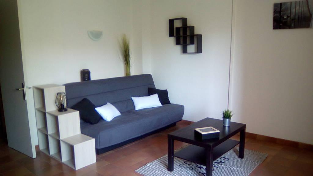 location meubl e studio 25 m marseille 10e 25 m 480 de particulier particulier pap. Black Bedroom Furniture Sets. Home Design Ideas