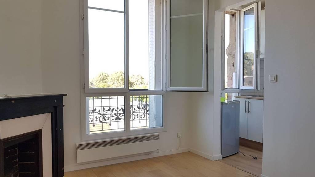 location studio 14 m vitry sur seine 94400 14 m 510 de particulier particulier pap. Black Bedroom Furniture Sets. Home Design Ideas